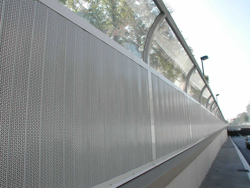Tips for choice as well as installation of polycarbonate fencing